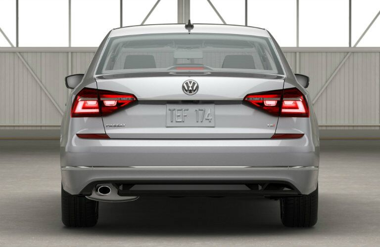 rear bumper and taillight design on the 2016 vw passat r-line