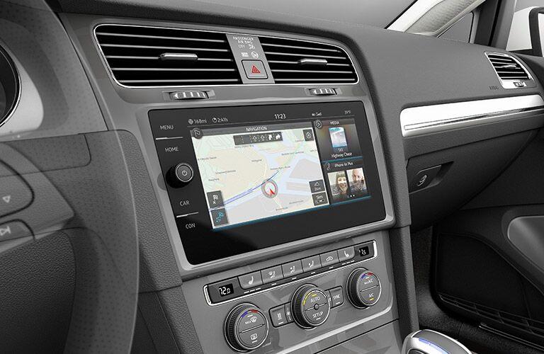 2017 Volkswagen e-Golf infotainment console