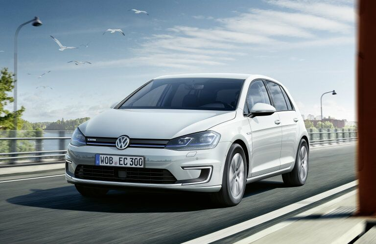2017 Volkswagen e-Golf front with grille