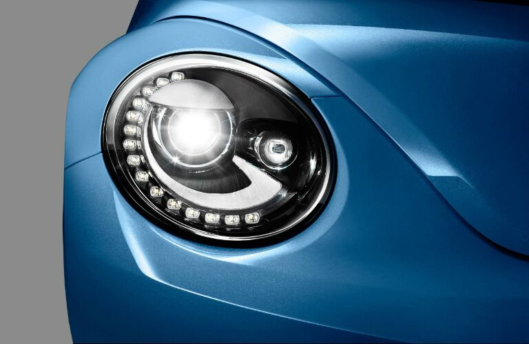 2017 Volkswagen Beetle interior front headlights