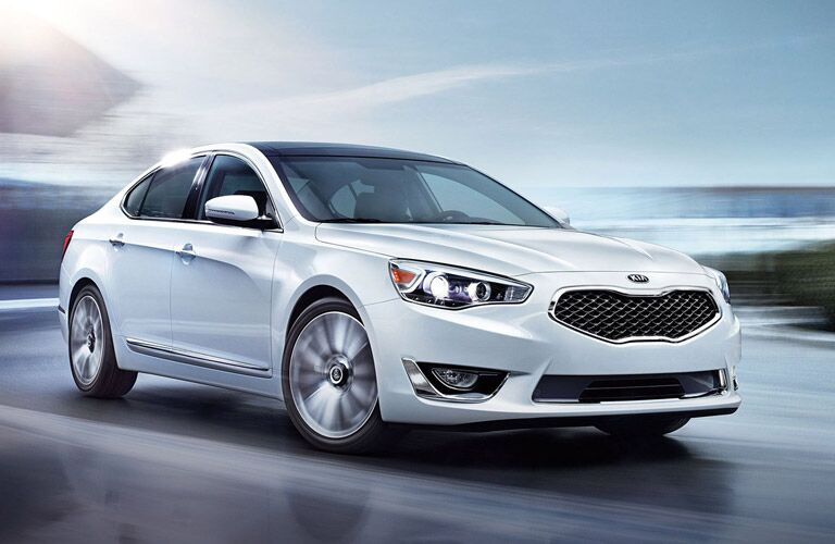 Kia Cadenza Exterior View in White