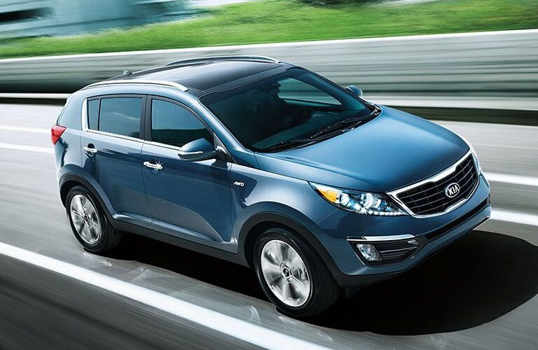 Kia Sportage Side and Front End View in Blue
