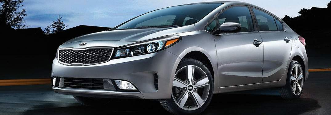 Side and Front View of the 2018 Kia Forte in Silver