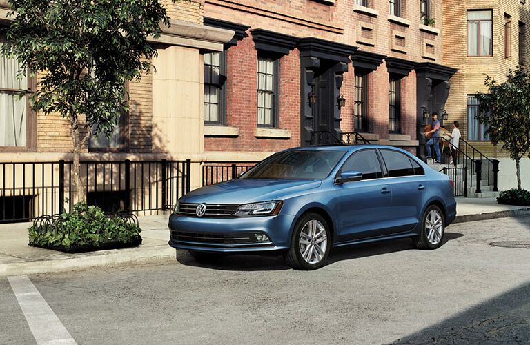 2016 Volkswagen jetta in blue paint color