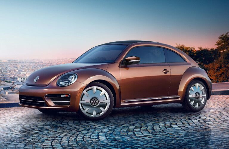 2017 vw beetle in bronze