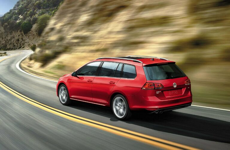 2017 Volkswagen Golf SportWagen in red