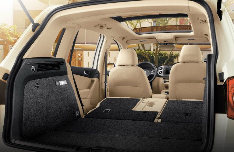 cargo space in the back of the 2017 vw tiguan