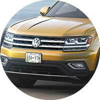 2018 VW Atlas front grille closeup