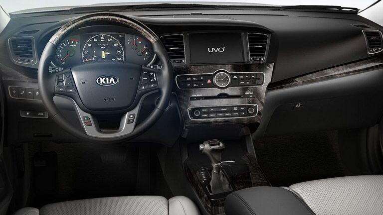 2016 Kia Cadenza steering wheel_o