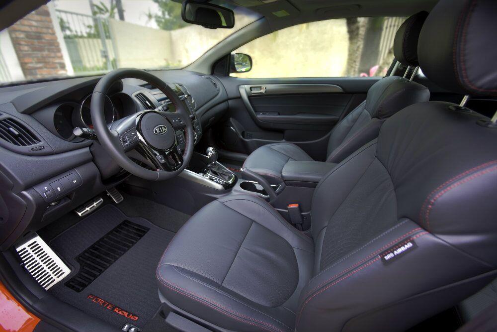 2016 Kia Forte Koup Interior