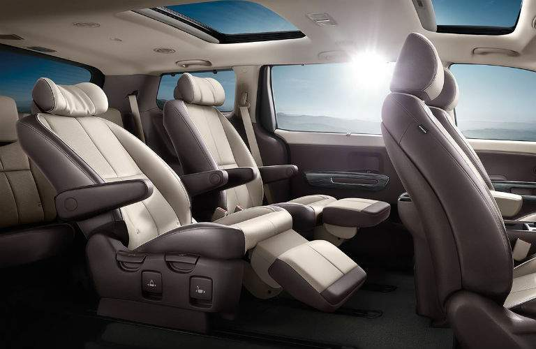 The reclining second-row seats of the 2018 Kia Sedona