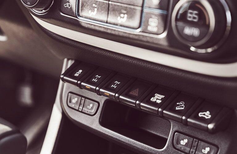 2017 Chevrolet Colorado front interior instrument panel