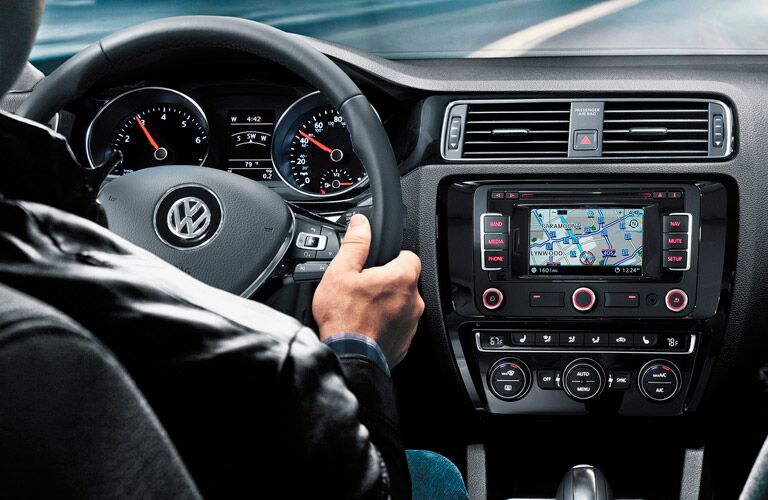 The premium interior of the 2015 Volkswagen Jetta Glendale CA appeals to a modern aesthetic