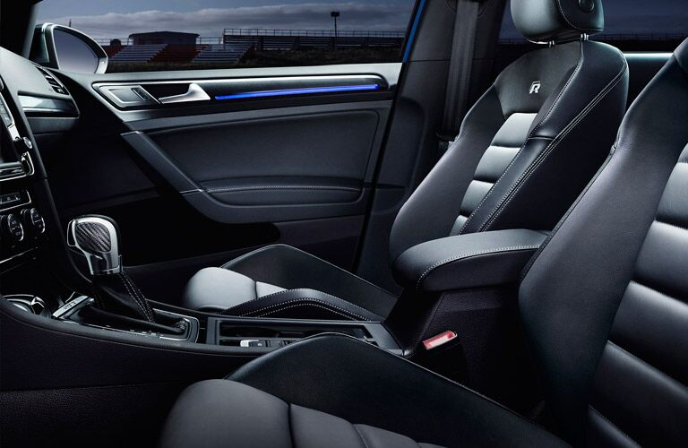 2016 Volkswagen Golf R Front Seats