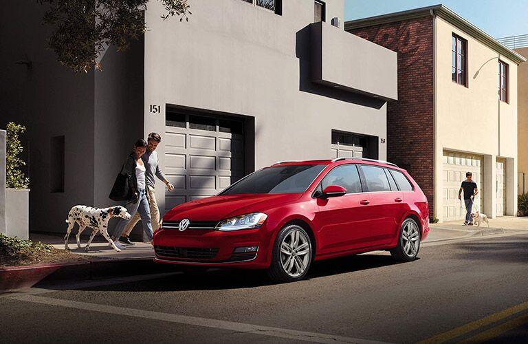 2016 Volkswagen Golf SportWagen Tornado Red