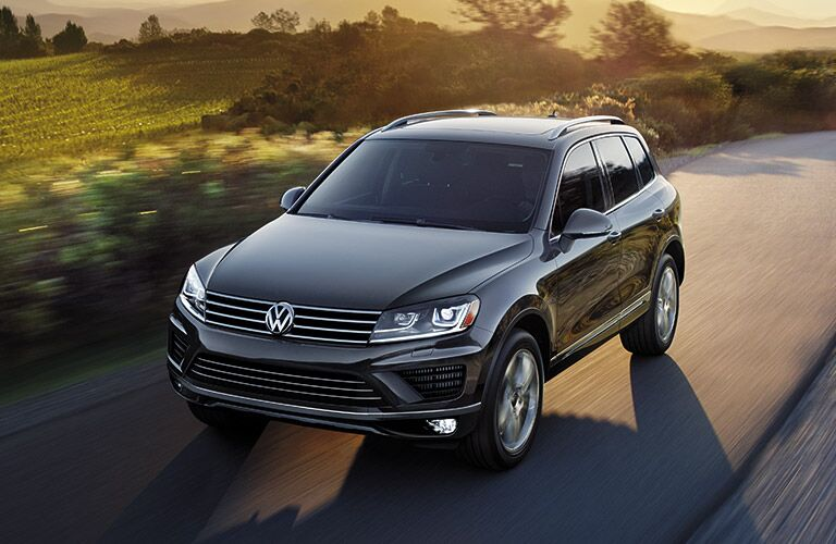 2016 Volkswagen Touareg Glendale CA Exterior Design and Style