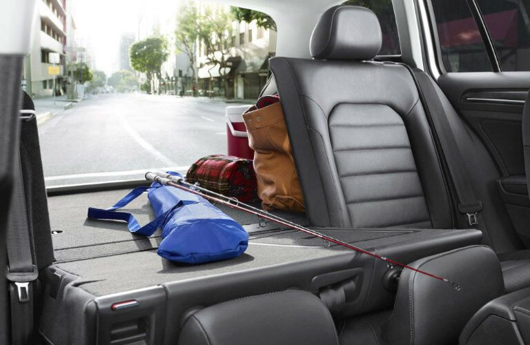2017 Volkswagen Golf SportWagen 60/40-split folding rear seat