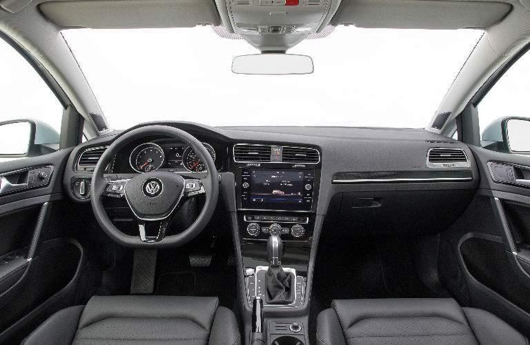 2018 Volkswagen Golf steering wheel and center stack