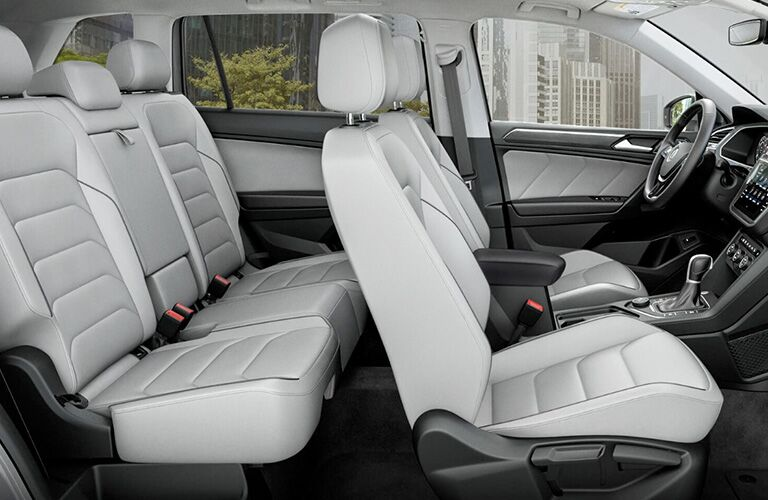 Side view of the 2018 VW Tiguan's front two-rows of seats