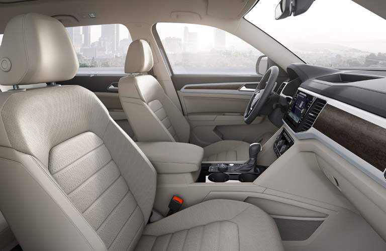 Side view of the 2018 VW Atlas' front seats