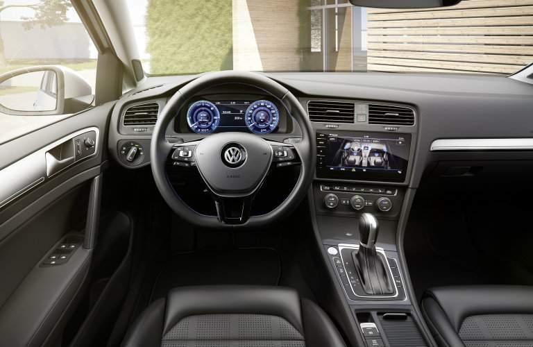 2017 Volkswagen e-Golf vs Leaf vs Focus Electric vs Fiat 500e Interior