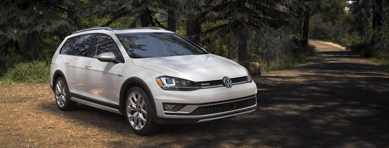 New 2017 Volkswagen Alltrack in Pittsfield, MA