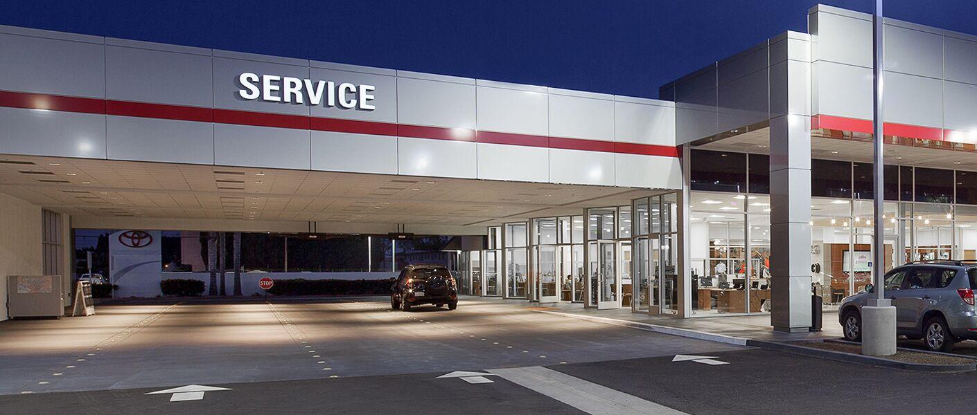 Service Department In Westminster Near Santa Ana CA Elmore Toyota - Toyota dealership hours