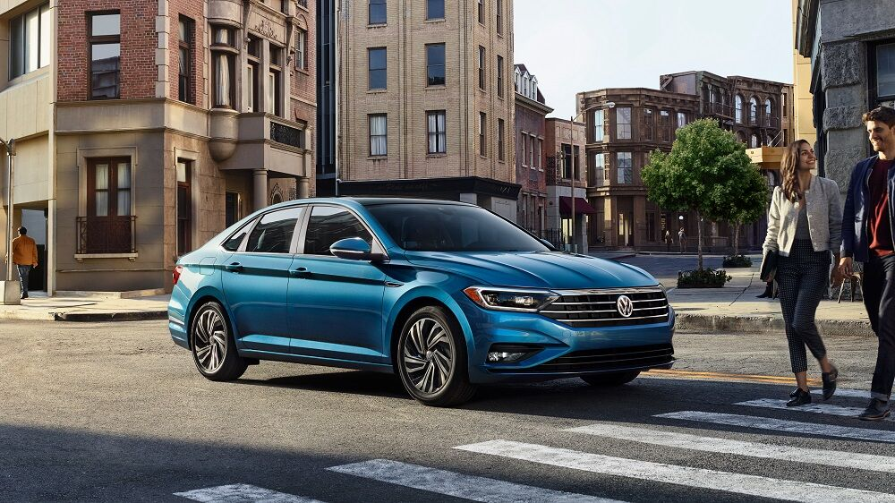 The 2019 Volkswagen Jetta Went Through A Bit Of Redesign And Style Update Vehicle Features Longer Wheelbase At 105 7 Inches Compared To Last