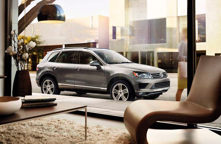 2015 Volkswagen Touareg Parking