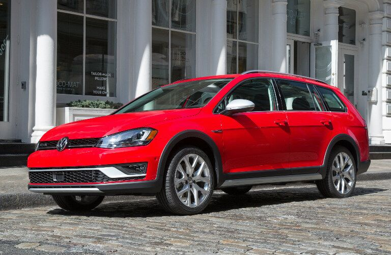 2017 Volkswagen Golf Alltrack red side view front