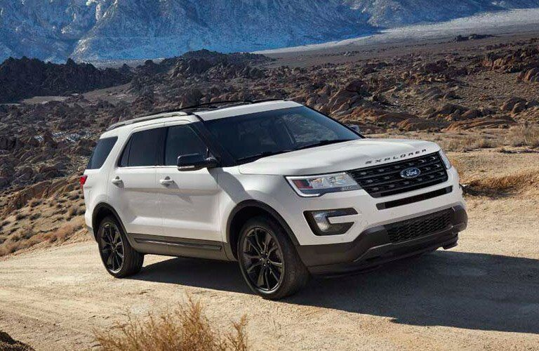 2017 Ford Explorer front side exterior