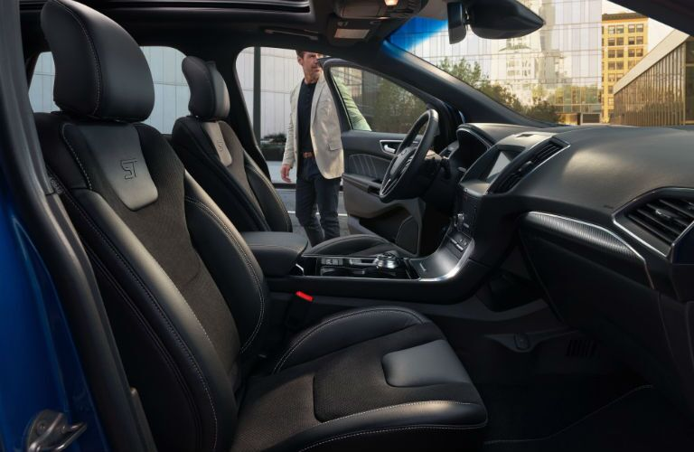 side view of the front passenger space in a 2020 Ford Edge