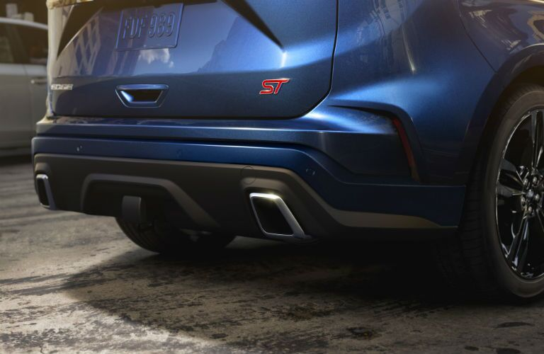 tailpipes on a 2020 Ford Edge