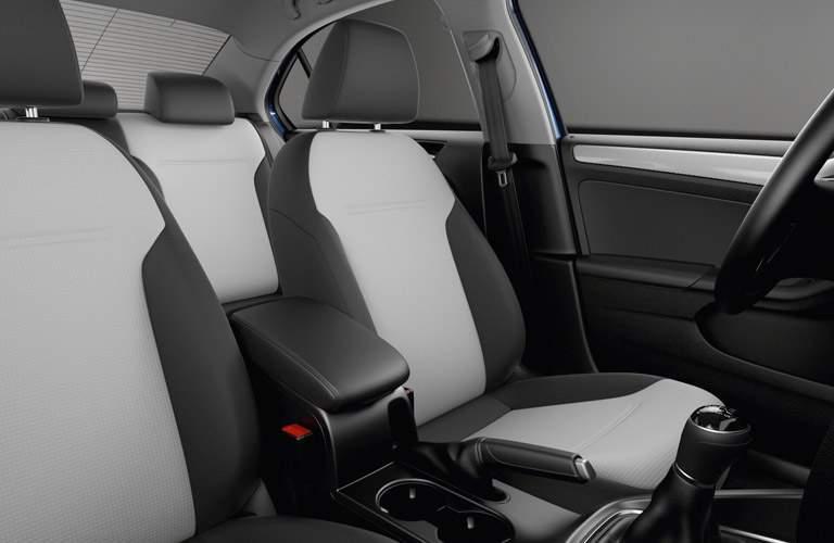2017 Volkswagen Jetta front seats