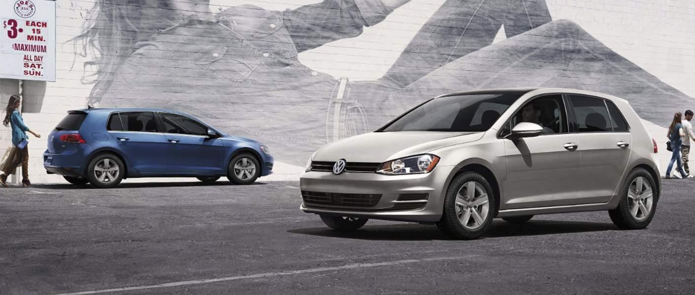 2017 Volkswagen Golf vs Alltrack