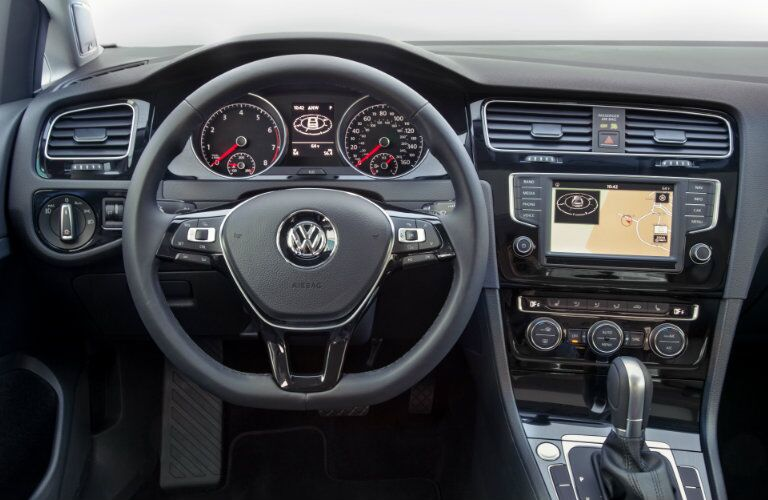 2016 Volkswagen Golf First-Row LCD Screen