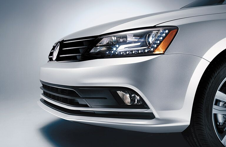 2016 Volkswagen Jetta headlights