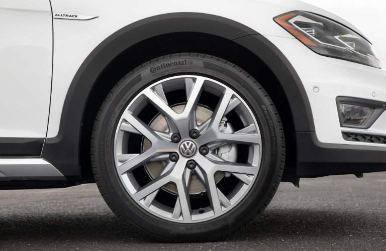 2018 Volkswagen Golf Alltrack wheel