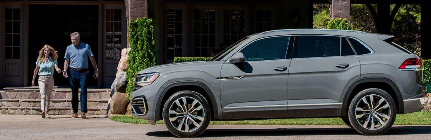 2020 Volkswagen Atlas Cross Sport in gray