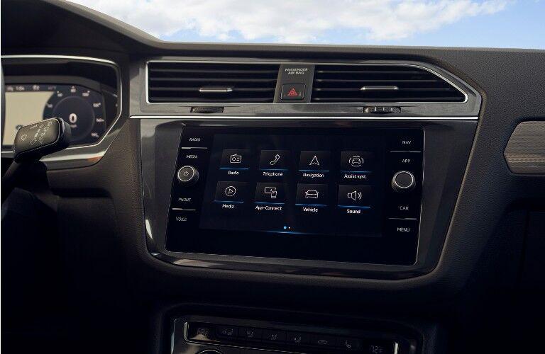 2021 Volkswagen Tiguan interior infotainment screen