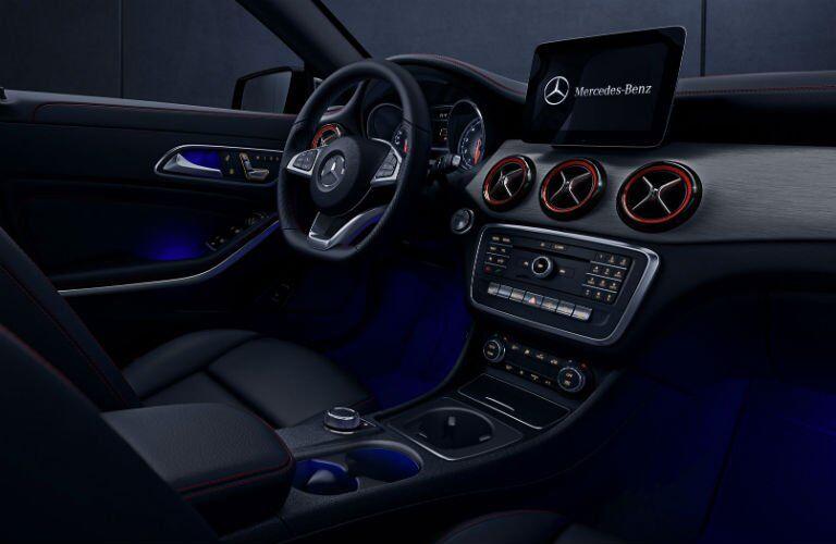 2018 Mercedes-Benz CLA ambient lighting