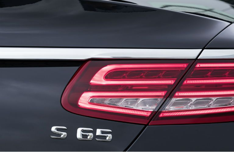 2017 Mercedes-Benz S-Class Tail lights