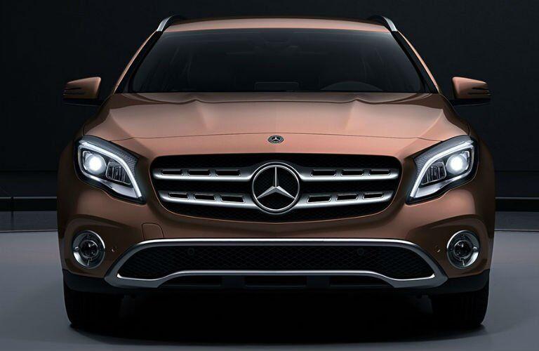 2018 Mercedes-Benz GLA front grille design