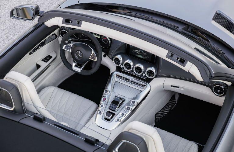 2018 Mercedes-AMG GT Roadster Dashboard