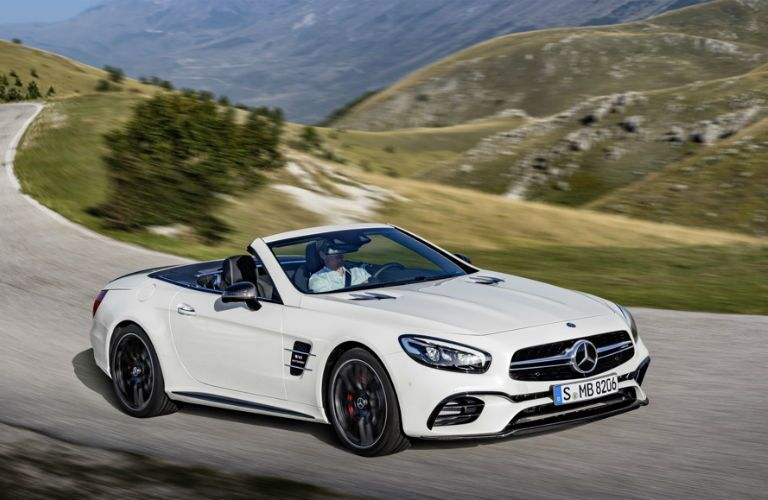 2017 Mercedes-AMG SL63 Grille and Headlights