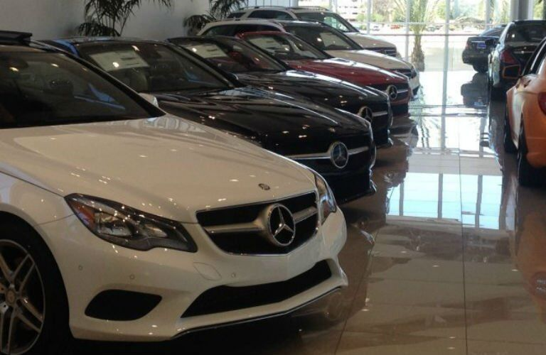 How many vehicles does Mercedes-Benz of Scottsdale have in its inventory?