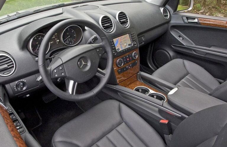 The interior of the used Mercedes-Benz M-Class near Dallas TX is pristine!