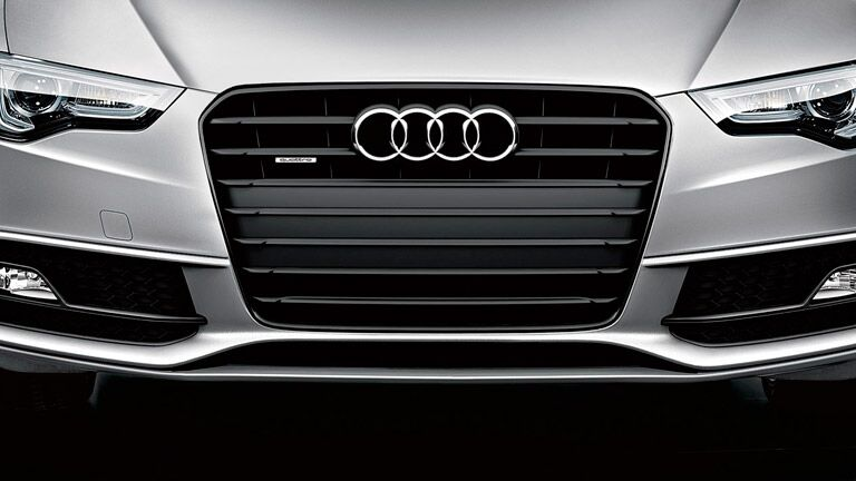 Close Up of 2015 Audi A5 Grille