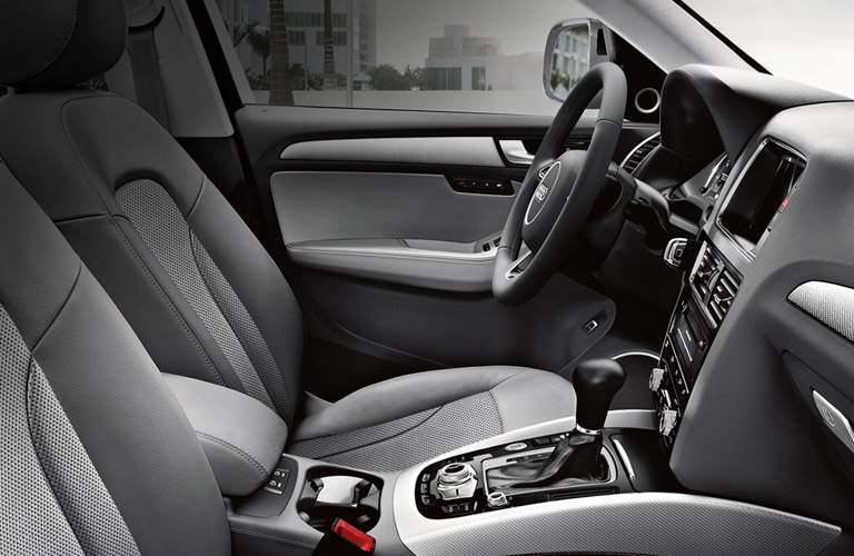 2016 Audi Q5 Front Seat Interior and Steering Wheel
