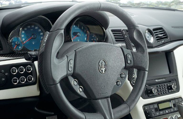 Maserati GranTurismo steering wheel